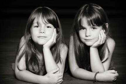 Photo-soeurs-jumelles