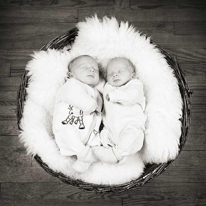 Photos de jumeaux bébé