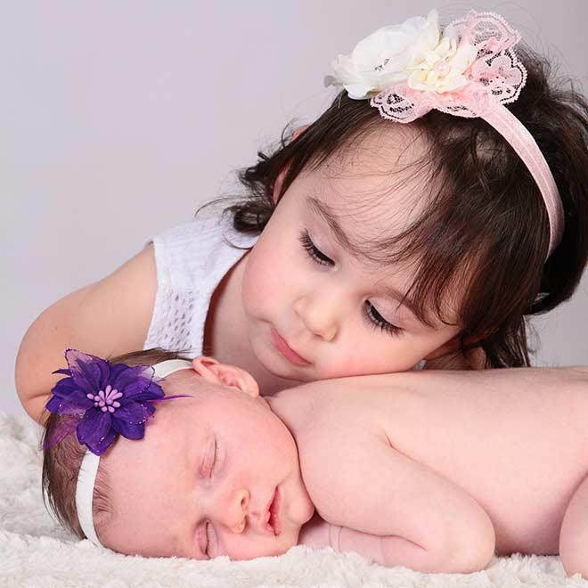 Photo de bébé avec soeur